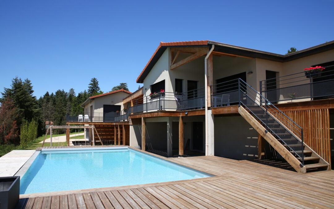 Maison individuelle à ossature bois avec maison invités et garages – Galmier (42)